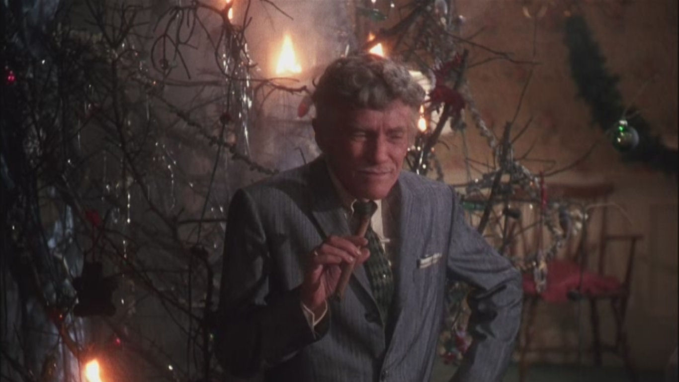 uncle lewis burns down the tree - Clark Griswold Christmas Decorations