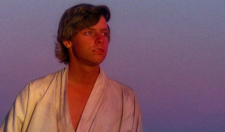 Star Wars: A New Hope's Luke stares into the sunset